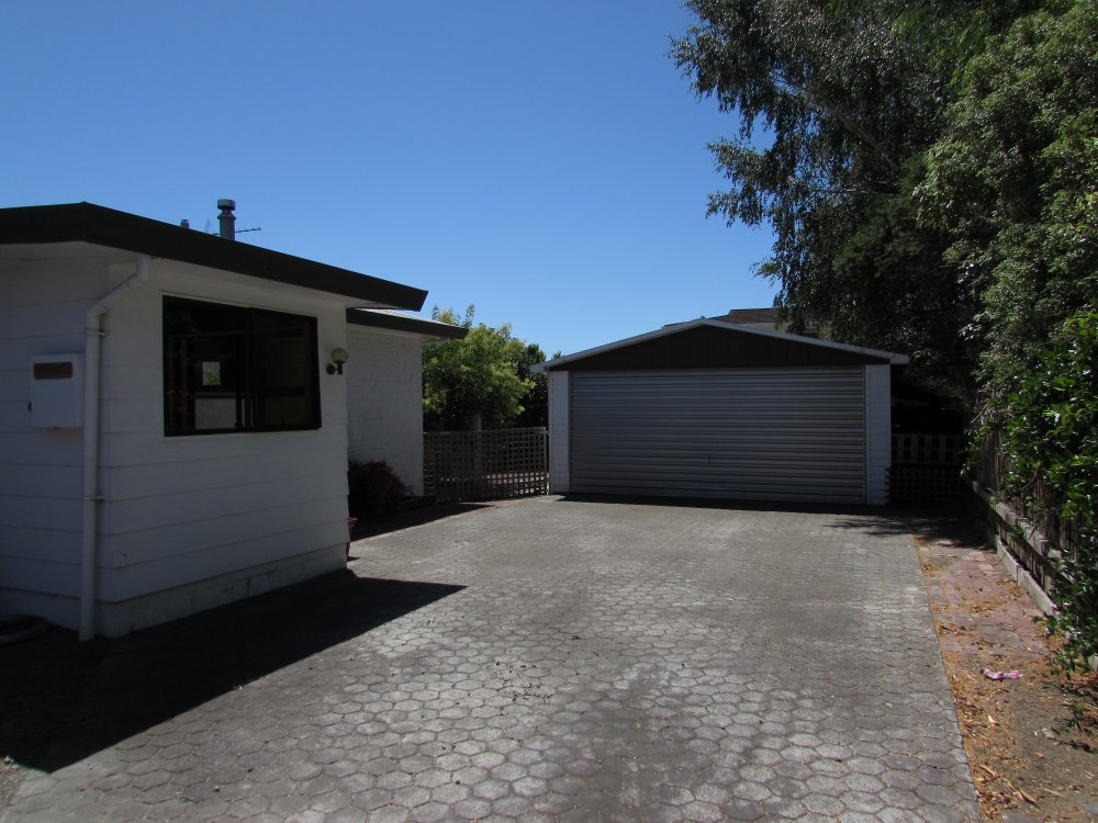 3B Mountain View Road, Witherlea #12