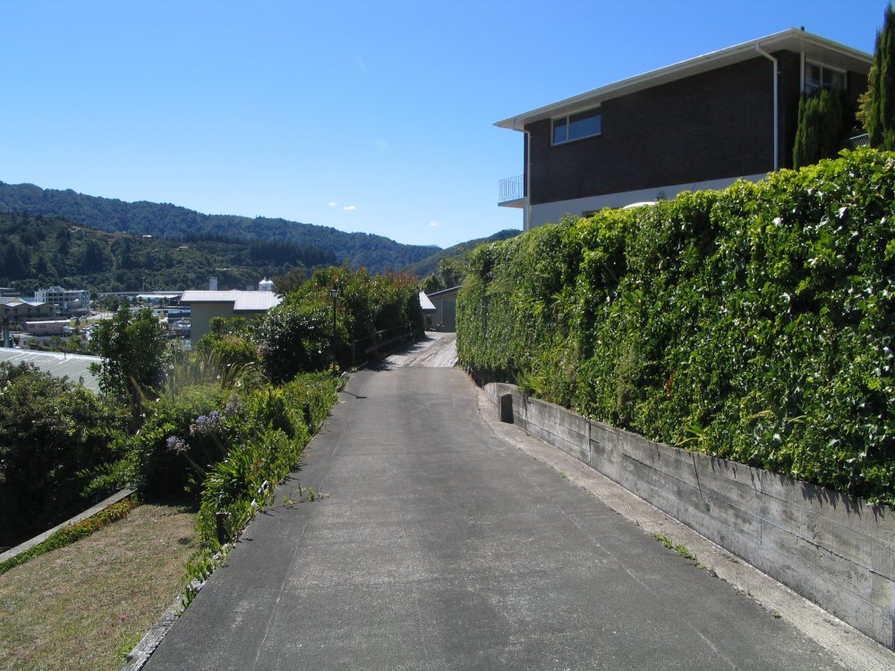 18 Seaview Crescent, Picton #2