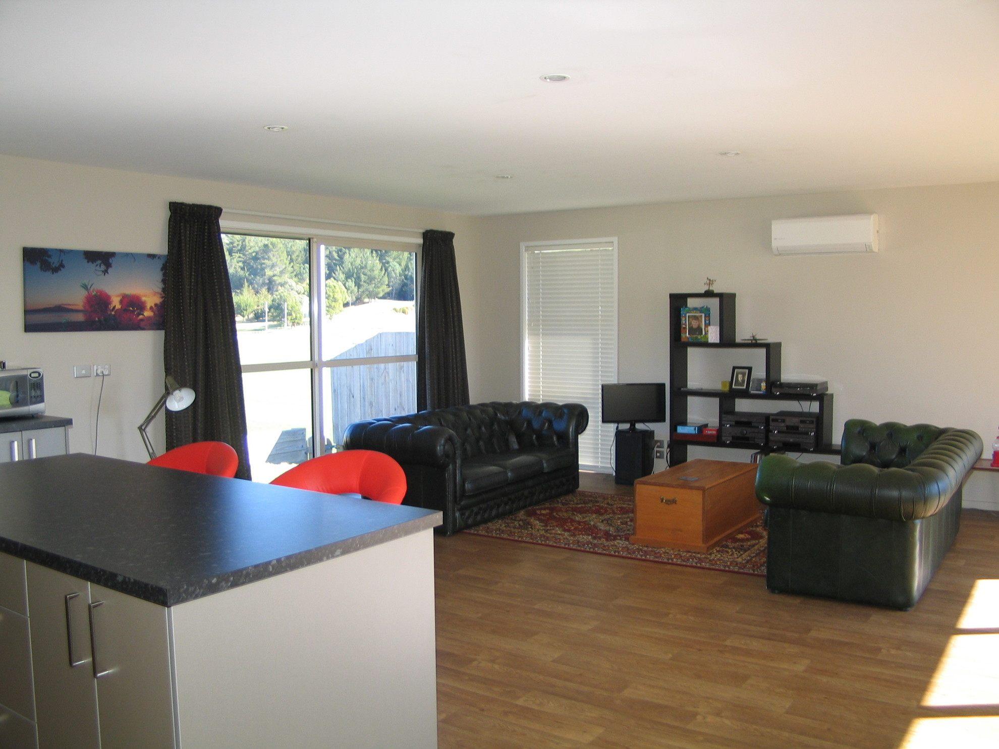 28 Admiralty Place, Waikawa #3 -- listing/4297/b.jpeg