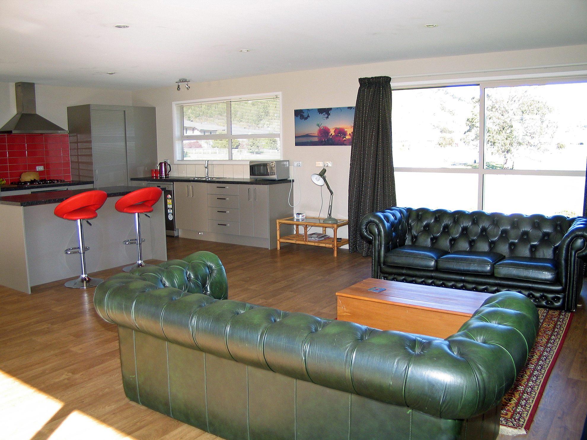 28 Admiralty Place, Waikawa #4 -- listing/4297/c.jpeg