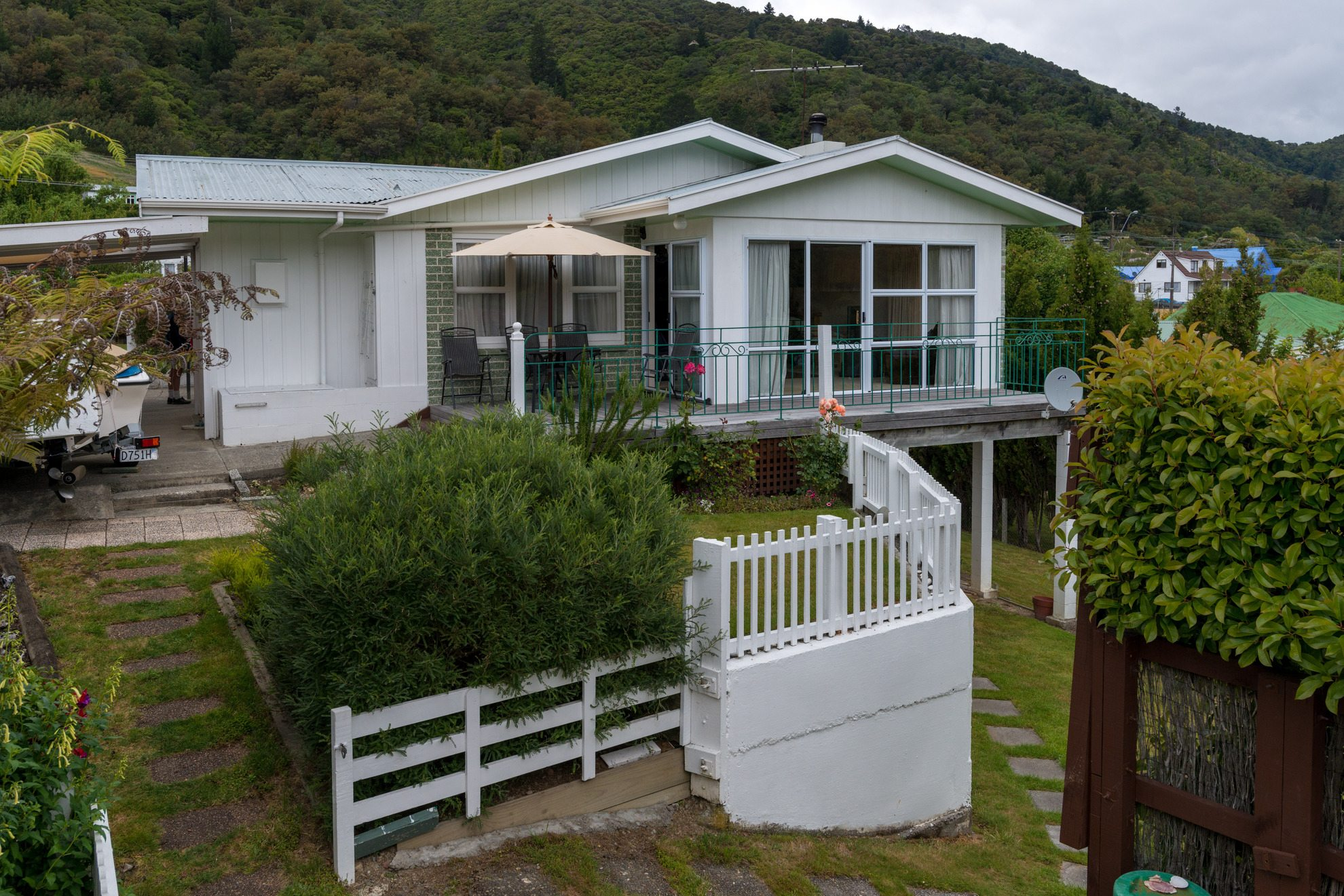 141 Waikawa Road, Picton #2 -- listing/4473/a.jpeg