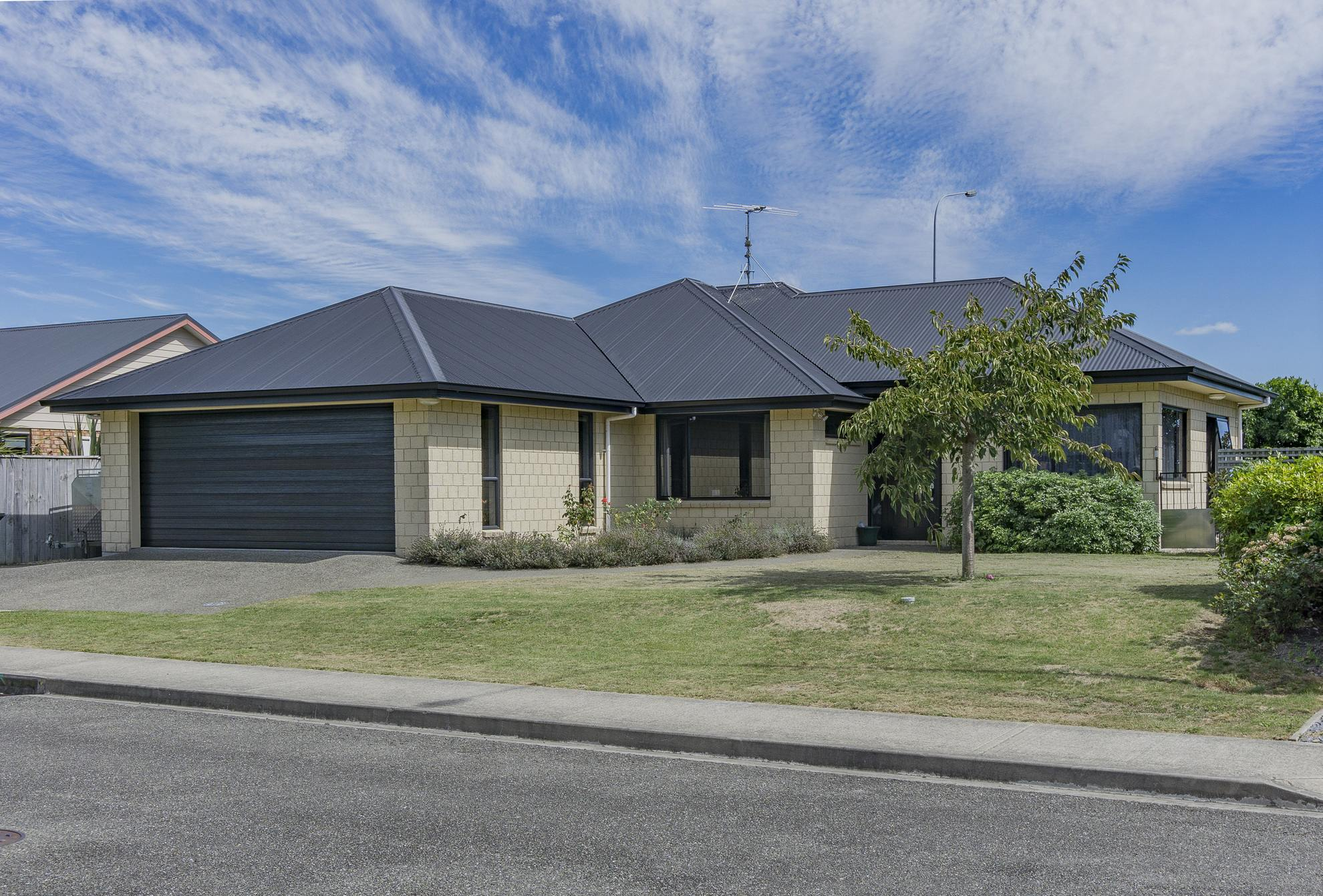 6 Norrie Place, Annesbrook #1 -- listing/4525/m.jpeg