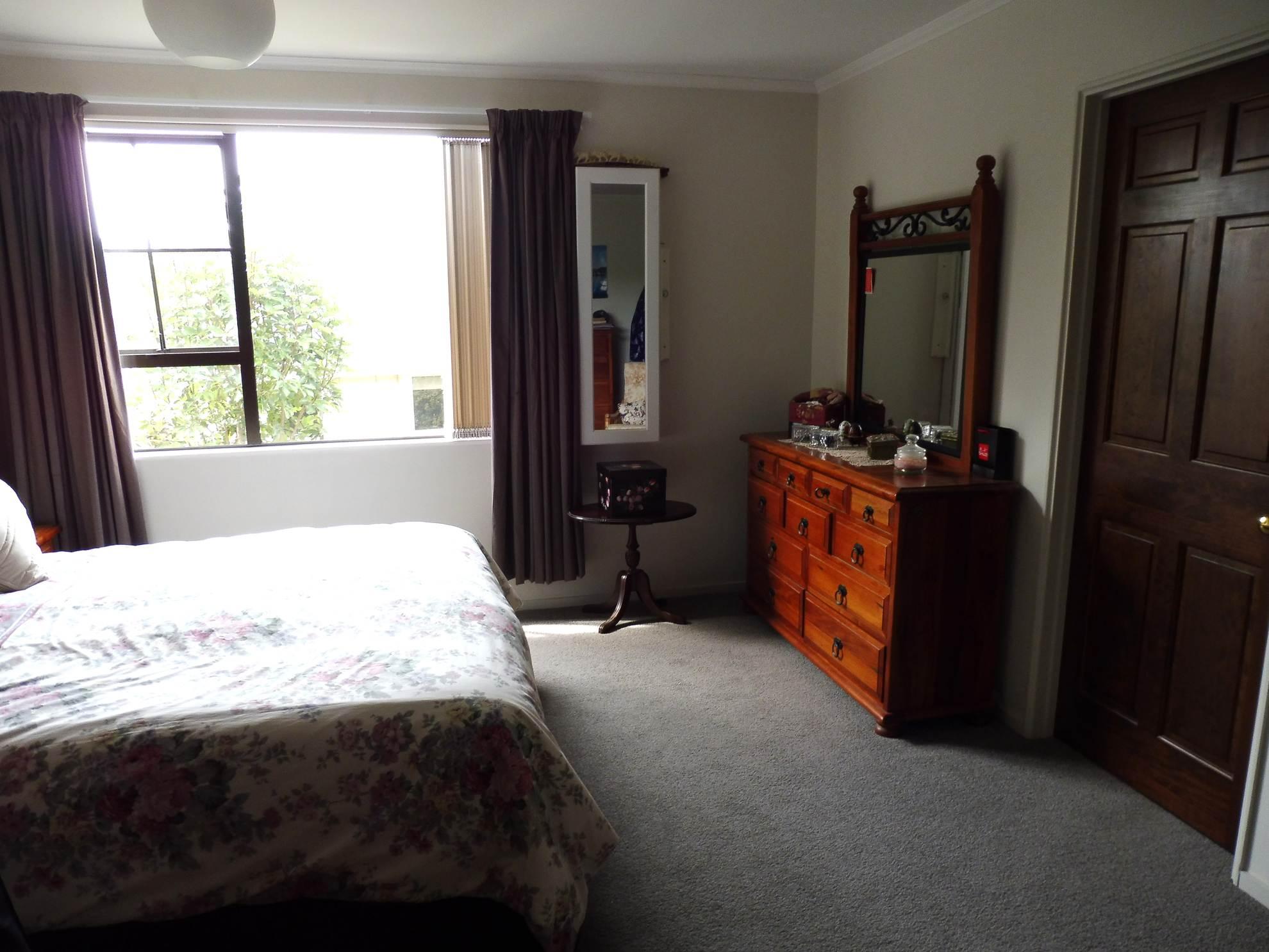 168 Waikawa Road, Waikawa #7 -- listing/4729/f.jpeg