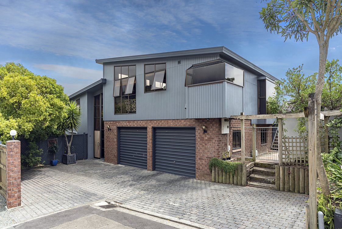 13 Farnham Drive, Richmond #1