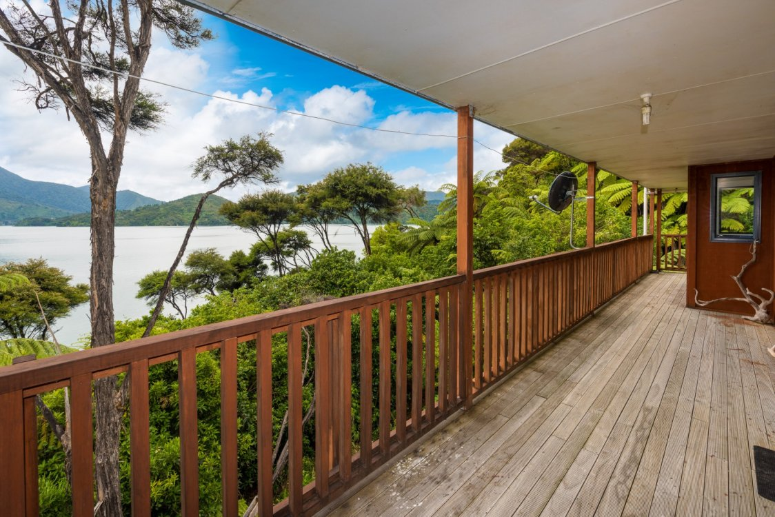 2219 Kenepuru Road, Picton #4