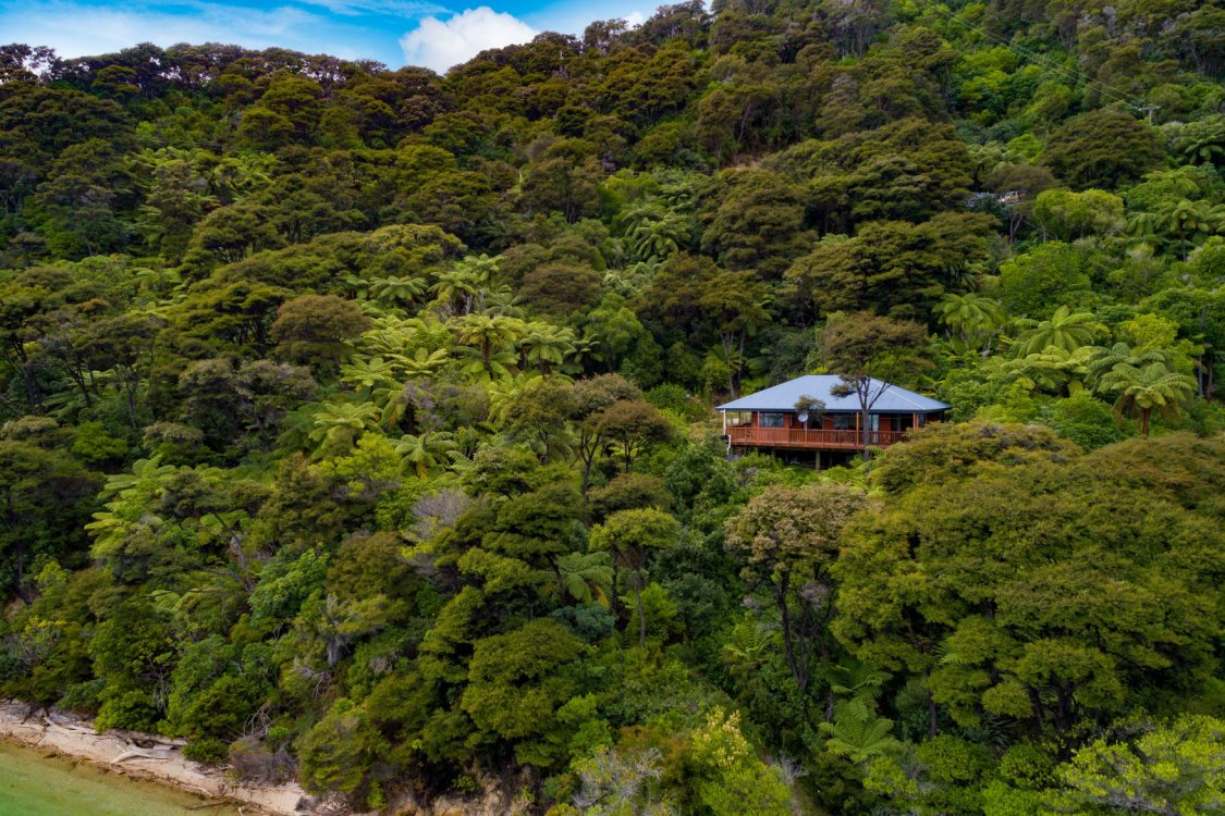 2219 Kenepuru Road, Picton #12