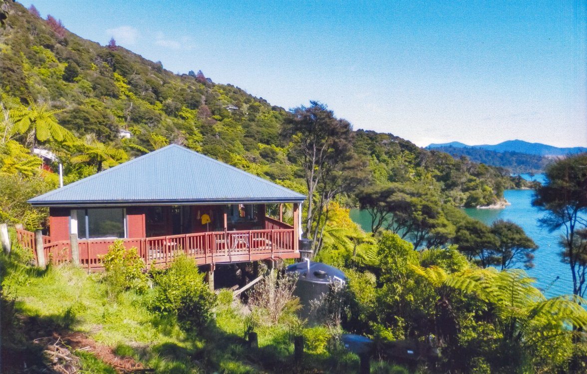 2219 Kenepuru Road, Picton #17