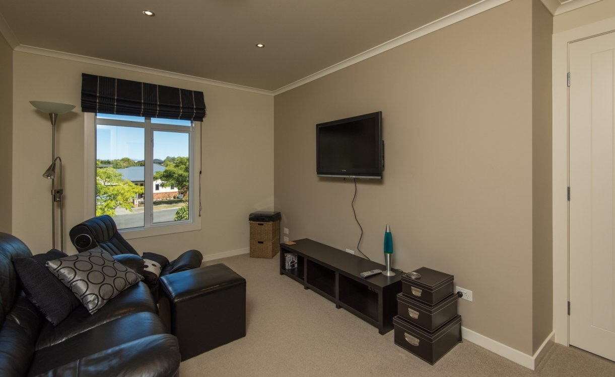 13 Heron Grove, Richmond #16