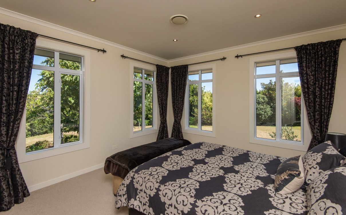 13 Heron Grove, Richmond #17