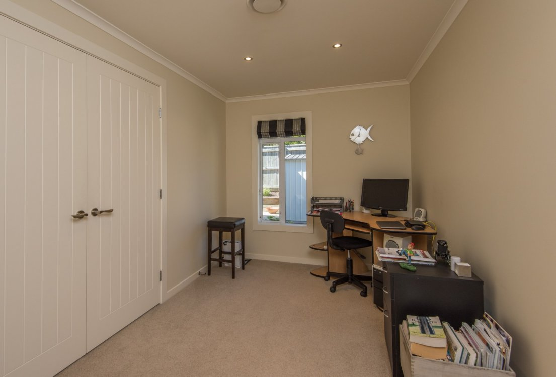 13 Heron Grove, Richmond #18