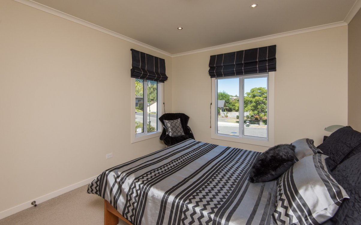 13 Heron Grove, Richmond #19