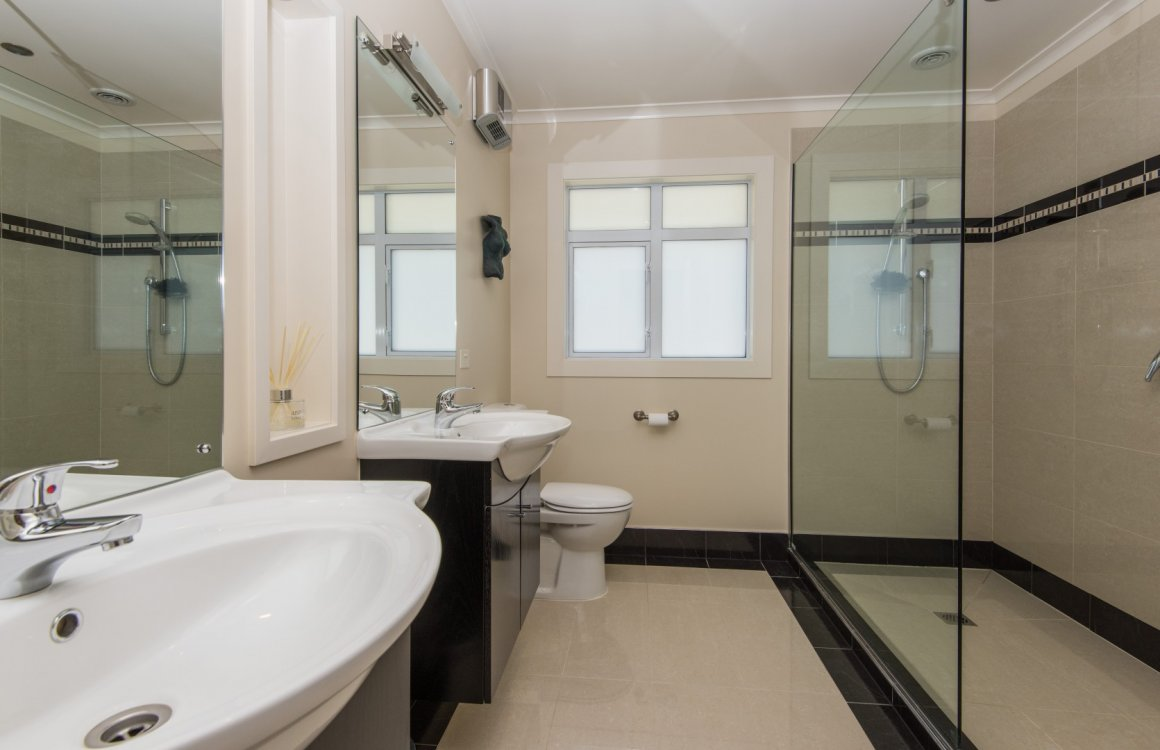 13 Heron Grove, Richmond #20