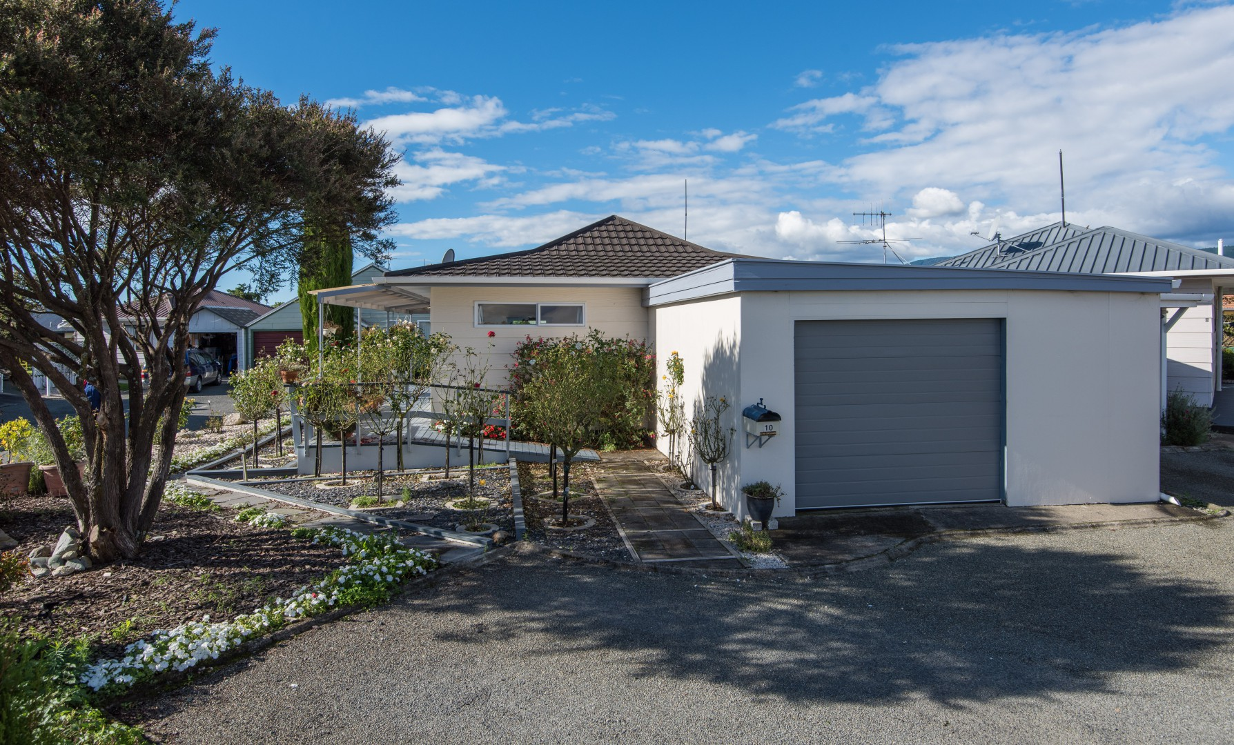 10 Conifer Court, Richmond #1 -- listing/5380/m.jpeg
