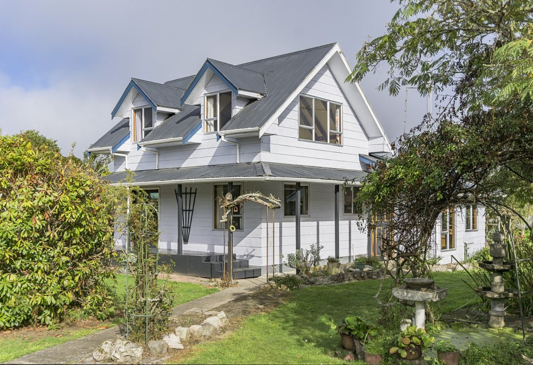 5 Grey Street, Murchison #4