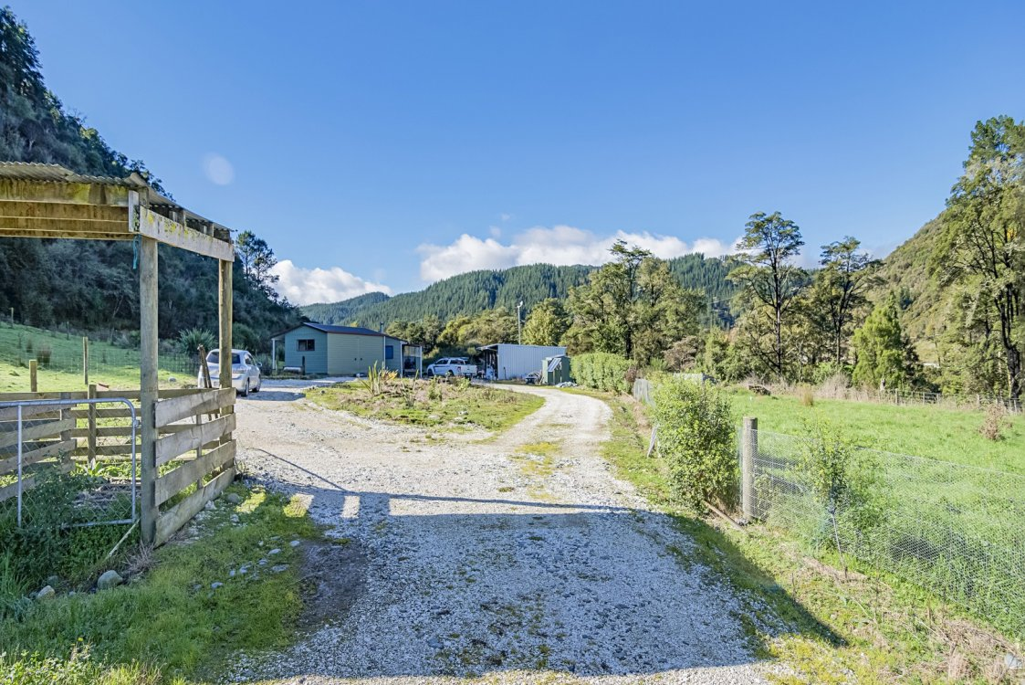 242 Matiri Valley Road , Murchison #16