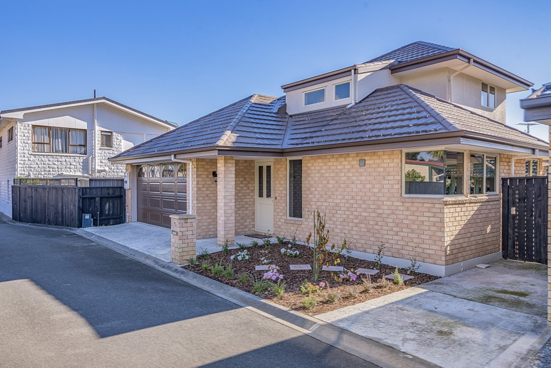 2 Lancewood Way, The Wood #17