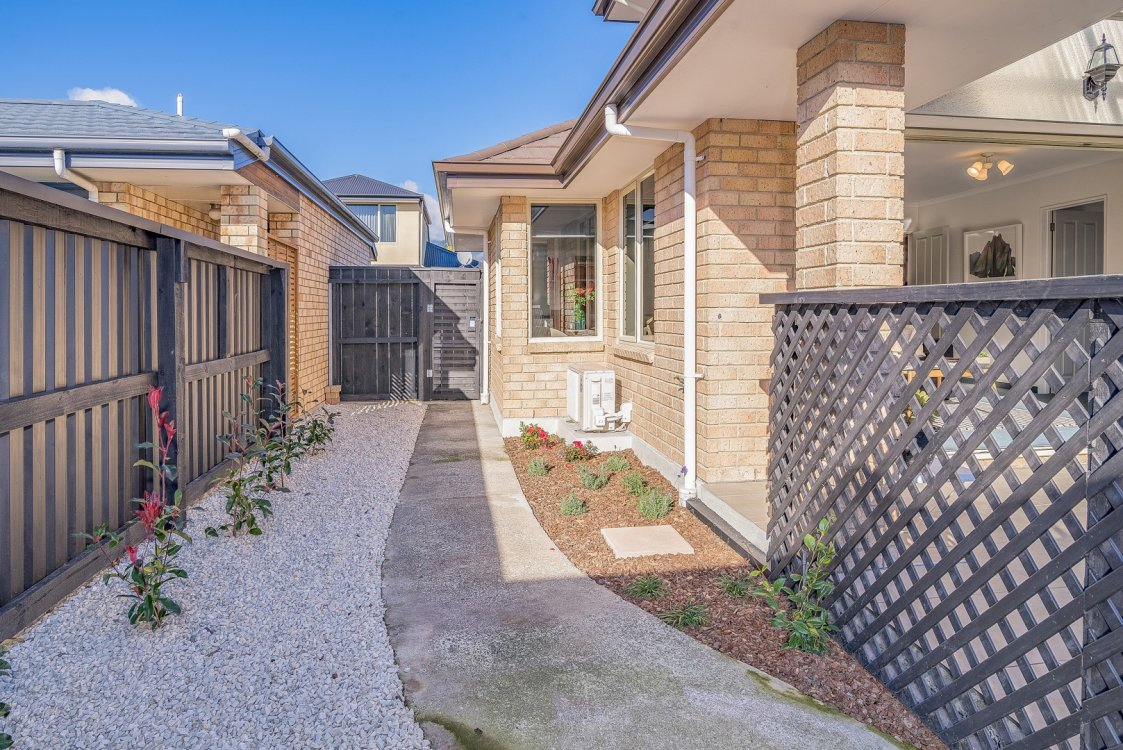 2 Lancewood Way, The Wood #18