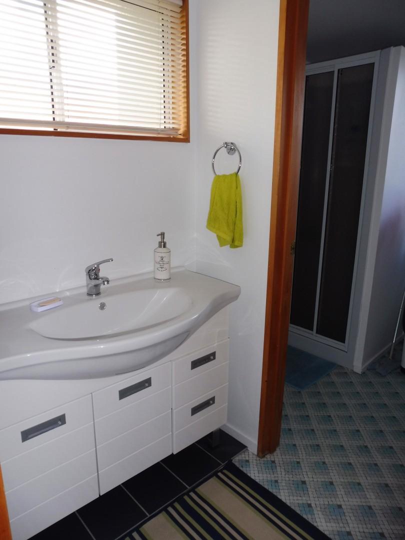 27B Beach Road, Waikawa #9 -- listing/5636/h.jpeg