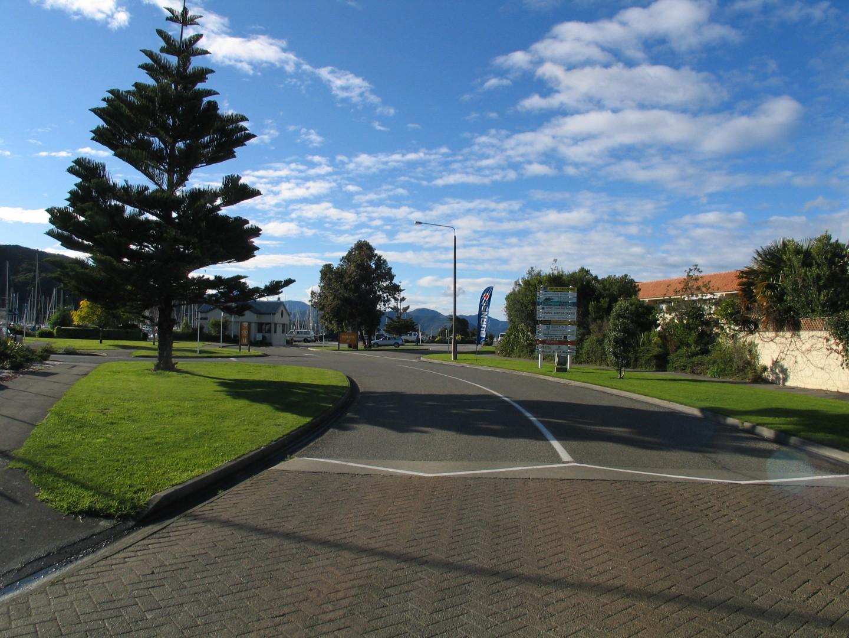 27B Beach Road, Waikawa #12 -- listing/5636/k.jpeg