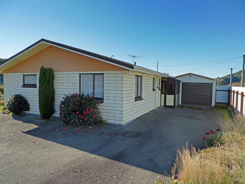 239 Waikawa Road, Waikawa #2 -- listing/5686/a.jpeg