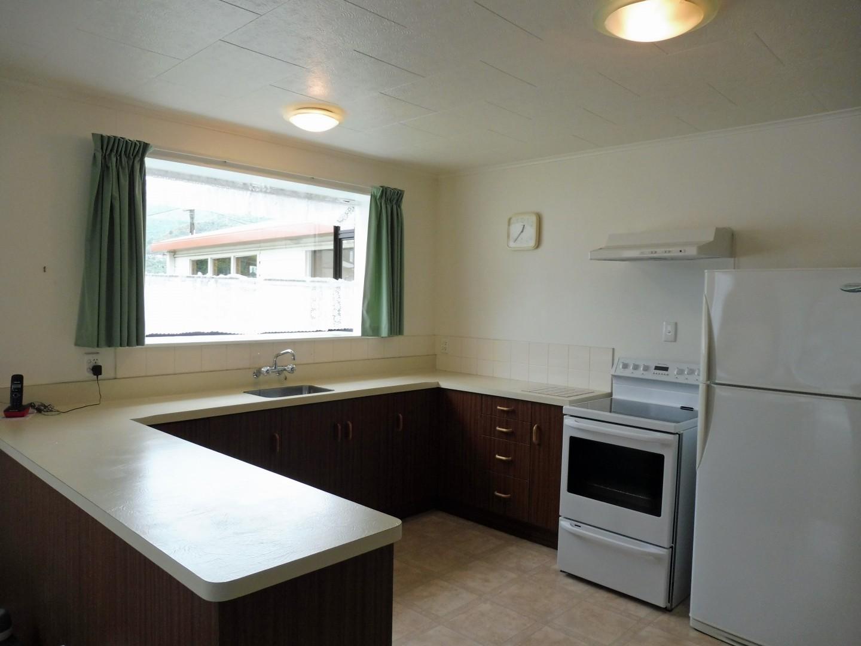 239 Waikawa Road, Waikawa #6 -- listing/5686/e.jpeg