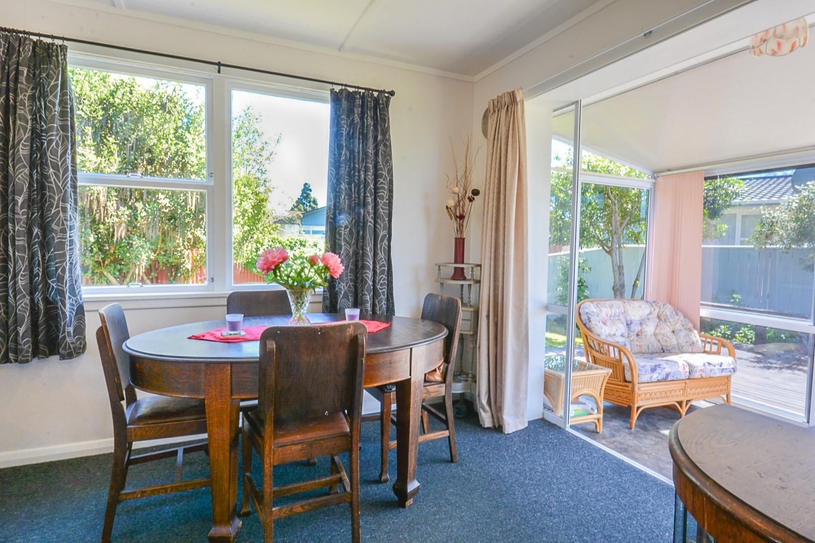 21 Newbourne Crescent, Redwoodtown #6 -- listing/5961/e.jpeg