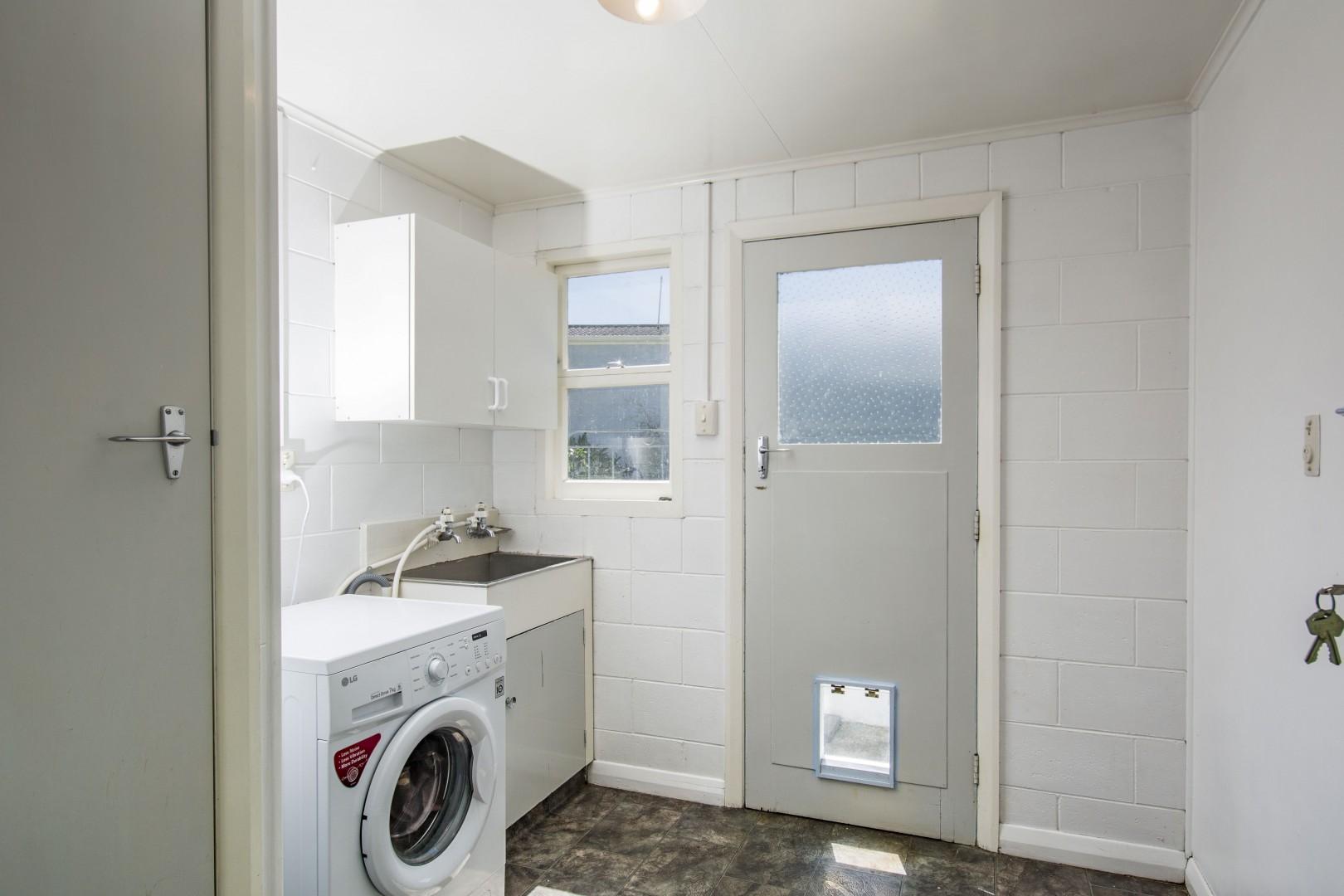 21 Newbourne Crescent, Redwoodtown #8 -- listing/5961/g.jpeg