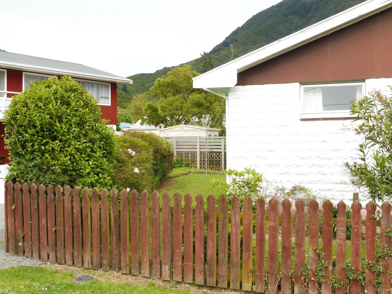 30a Buller Street, Picton #12 -- listing/6741/k.jpeg