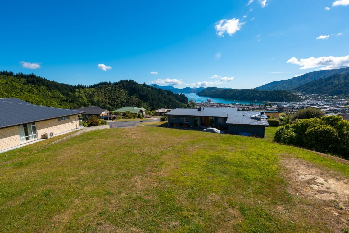 35 Harbour View Heights, Picton #2