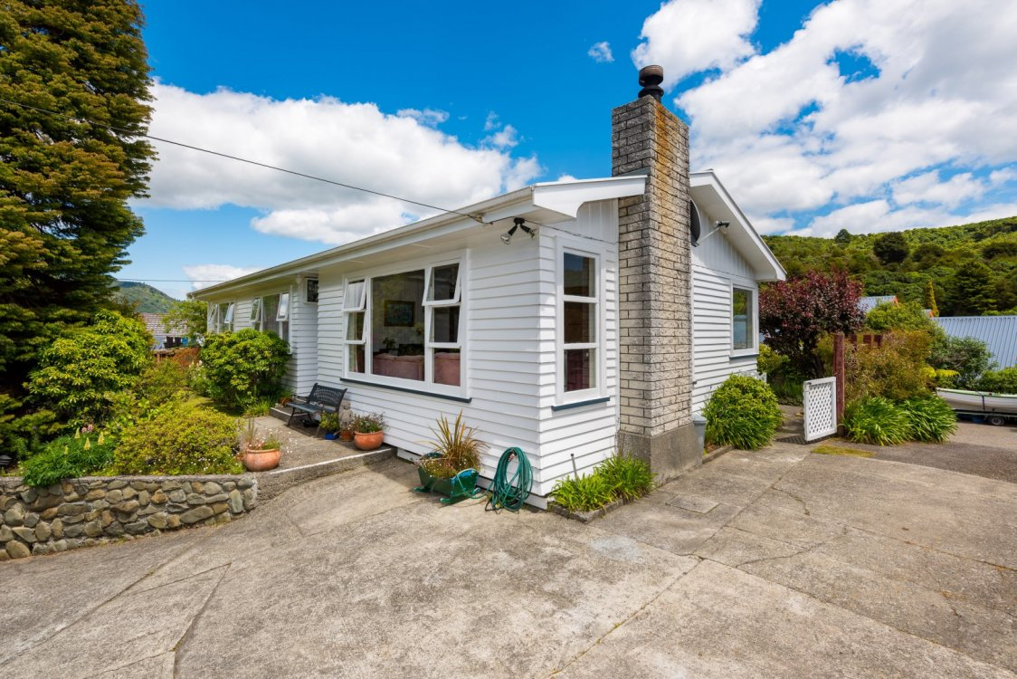 76 Hampden Street, Picton #2