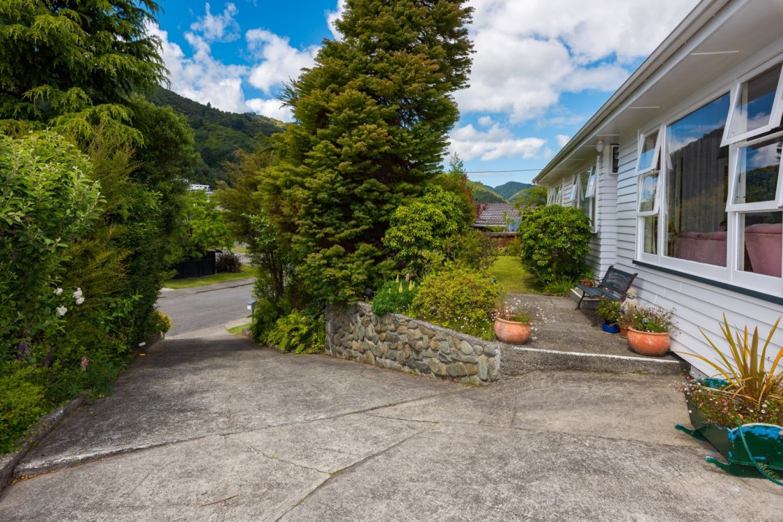 76 Hampden Street, Picton #3