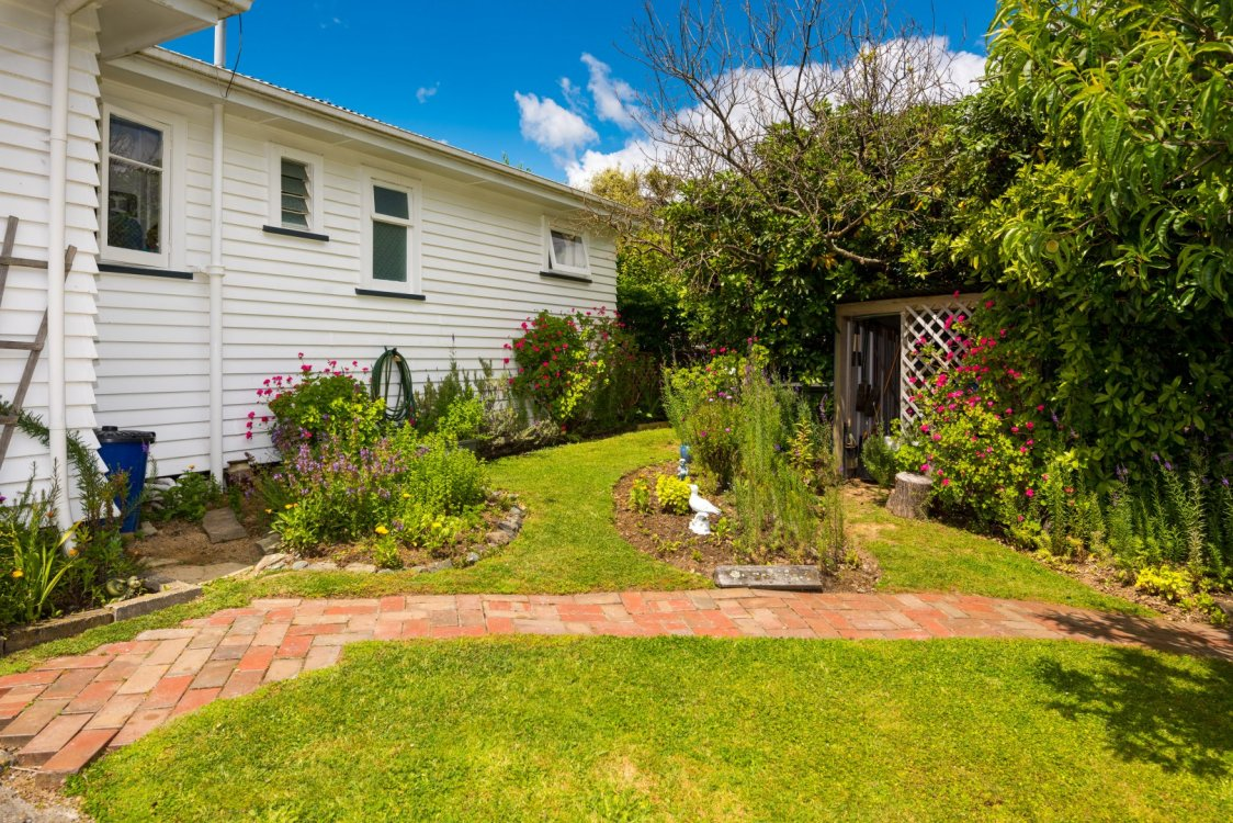 76 Hampden Street, Picton #8