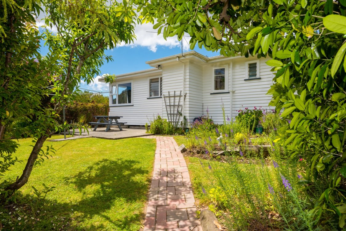 76 Hampden Street, Picton #1