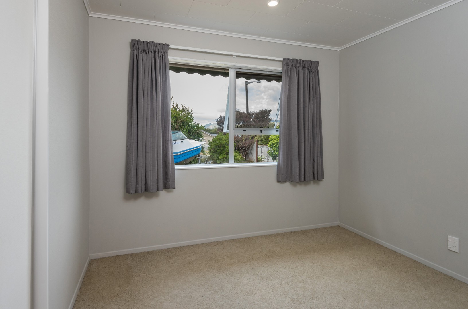2 Lord Auckland Road, Wakefield #6 -- listing/7237/e.jpeg