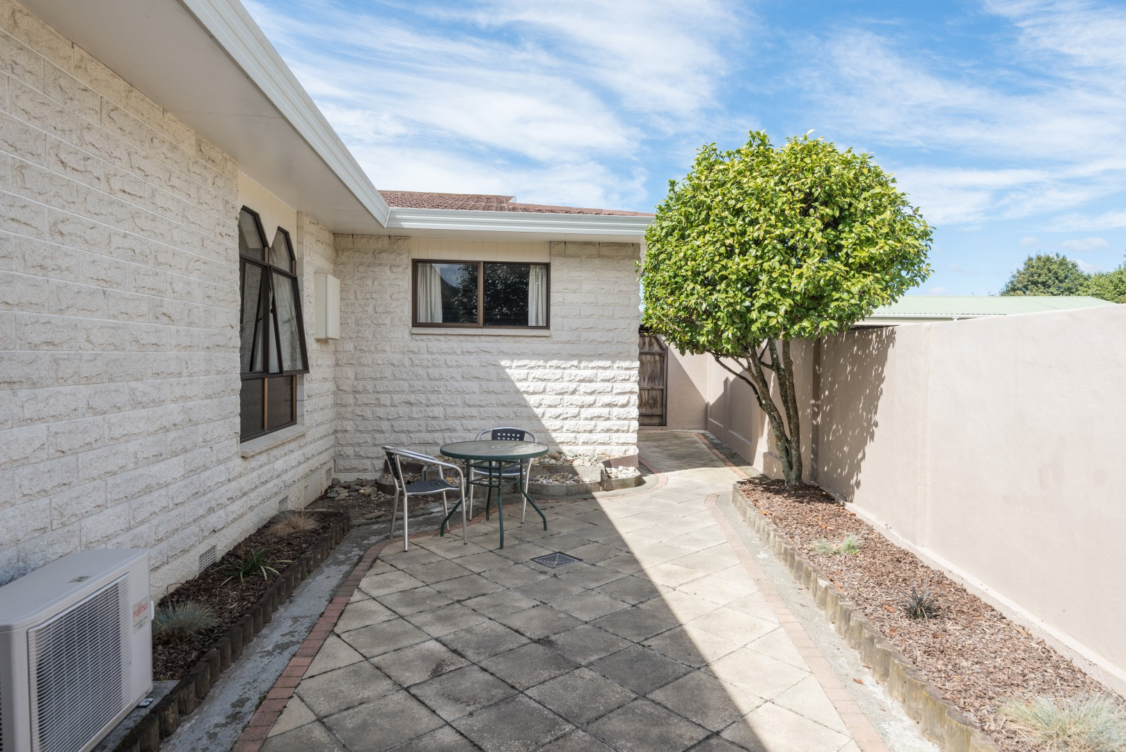 17 Lord Auckland Road, Wakefield #12 -- listing/8748/k.jpeg
