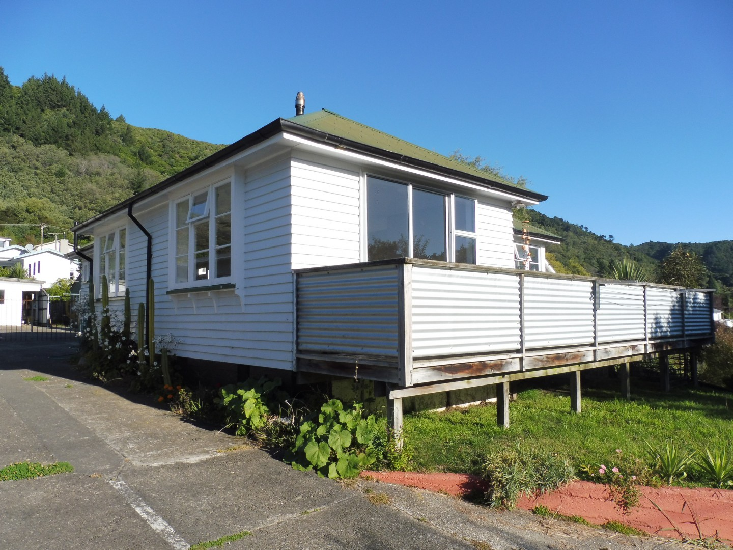 146 Waikawa Road, Picton #2 -- listing/8836/a.jpeg