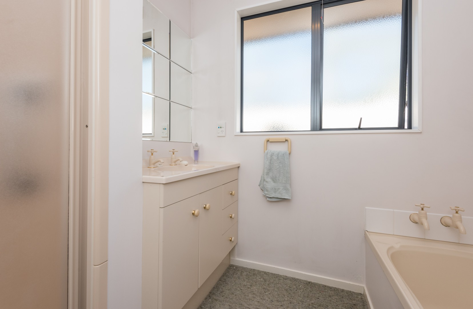 17a Arbor-Lea Avenue, Richmond #11 -- listing/9070/j.jpeg