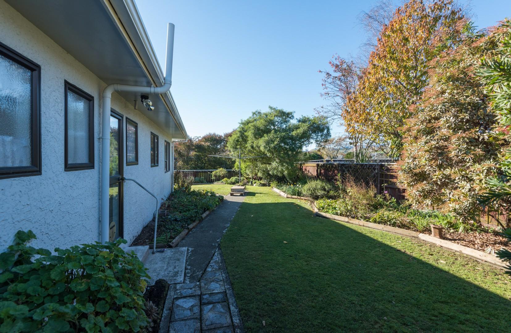 1b Lord Auckland Road, Wakefield #17 -- listing/9074/q.jpeg
