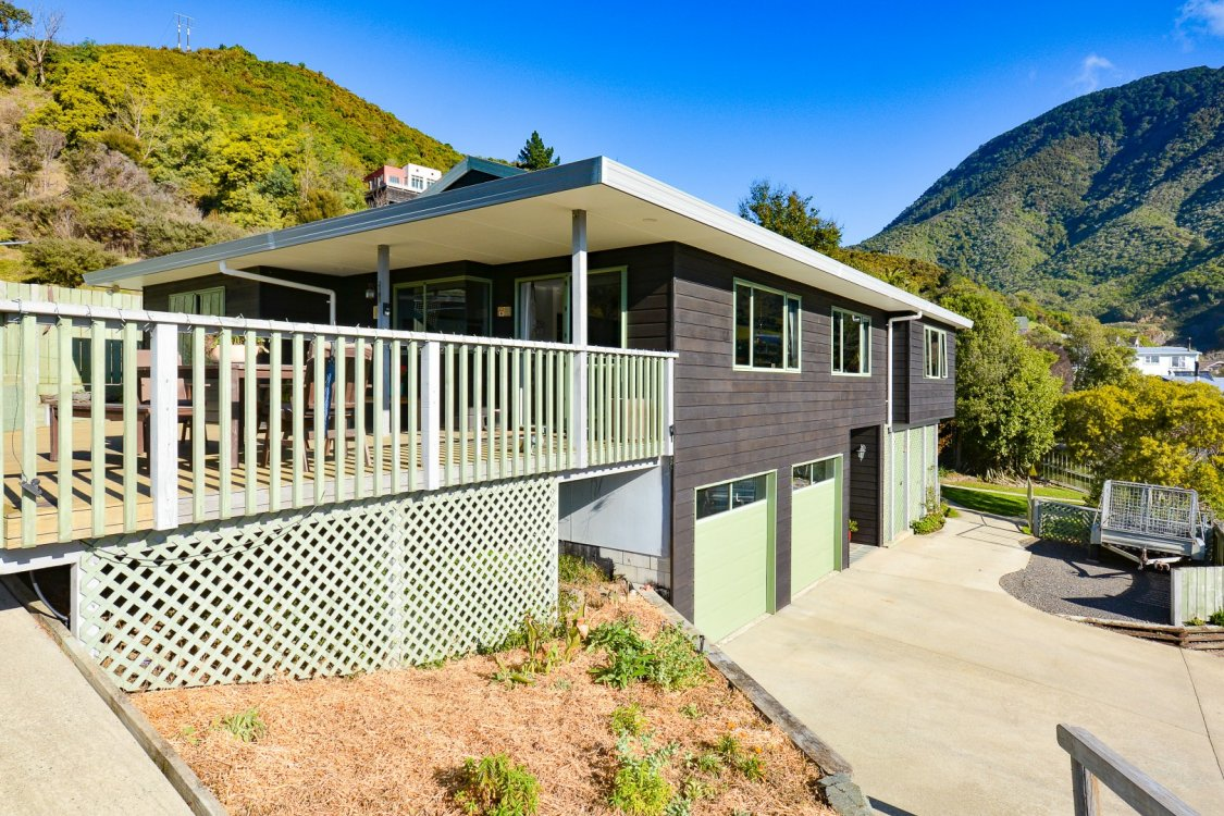 6 West Terrace, Picton #1