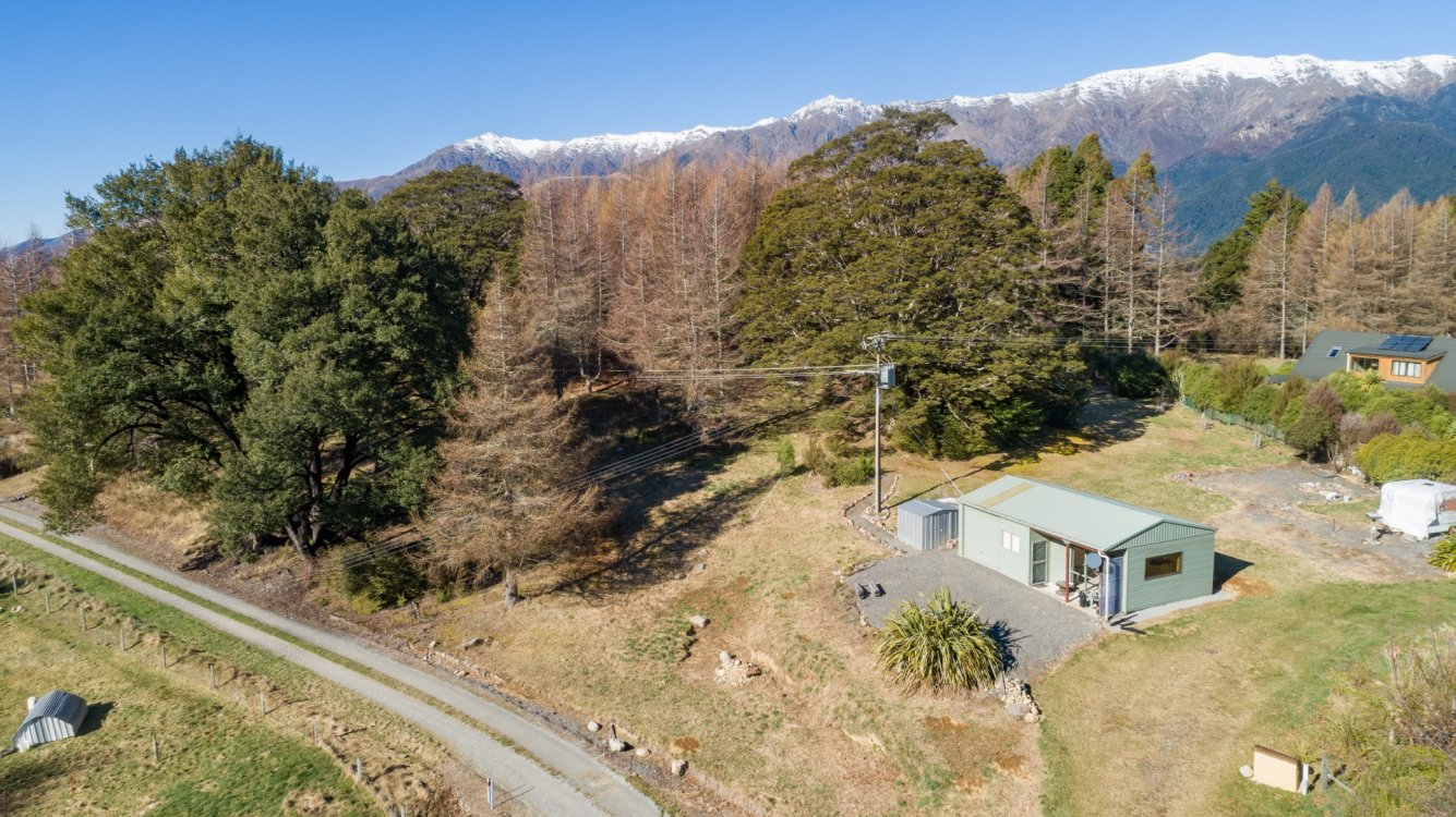 6 Lowther Road, St Arnaud #1