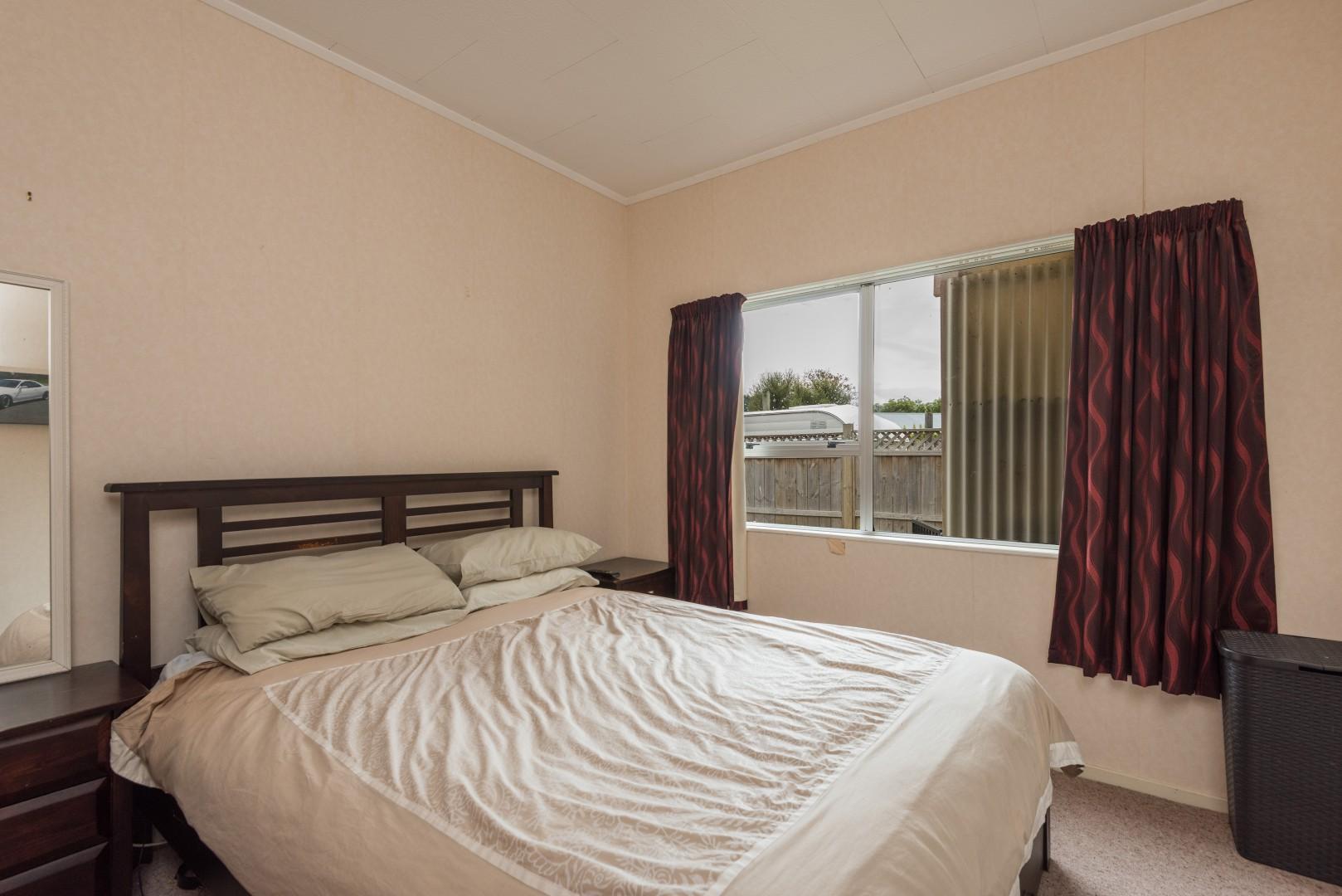 10b Windlesham Place, Wakefield #9 -- listing/9513/h.jpeg