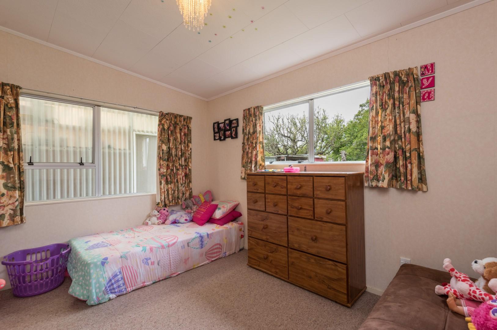 10b Windlesham Place, Wakefield #10 -- listing/9513/i.jpeg