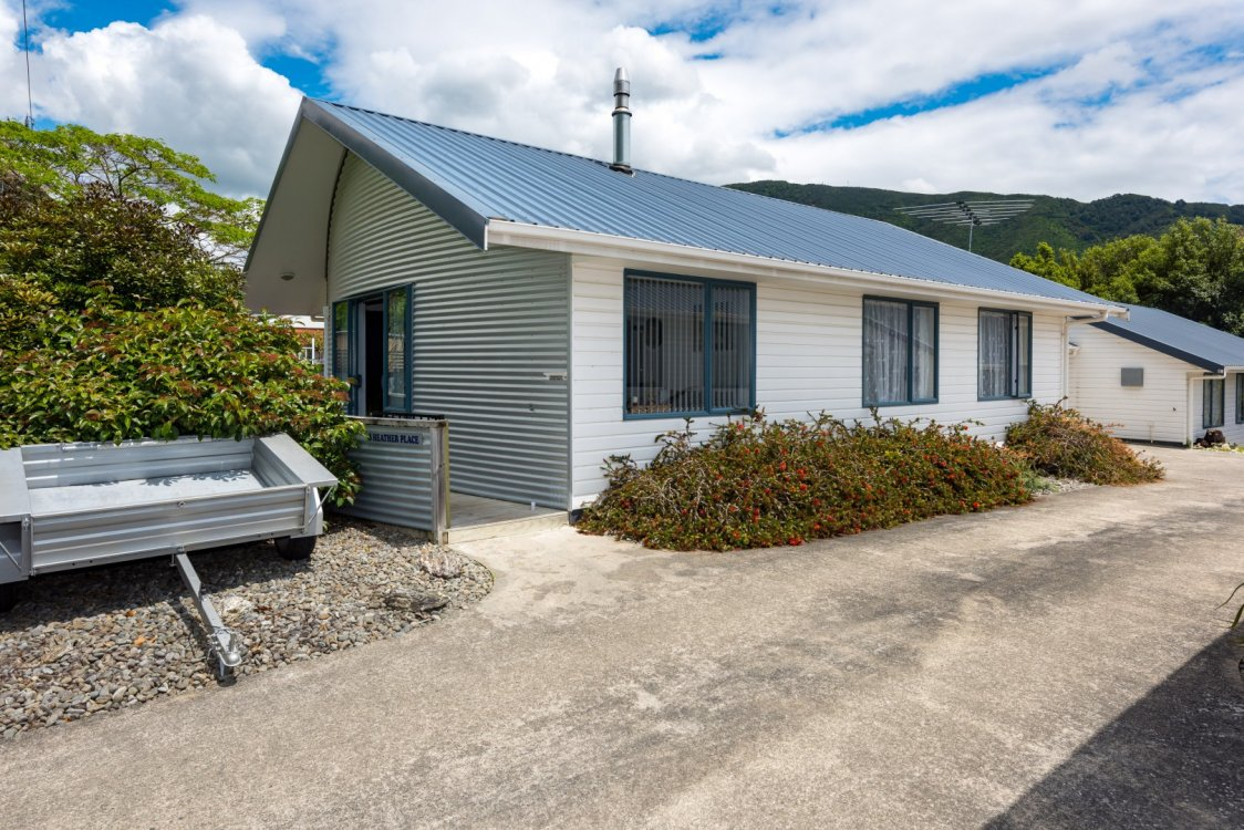 3 Heather Place, Picton #2