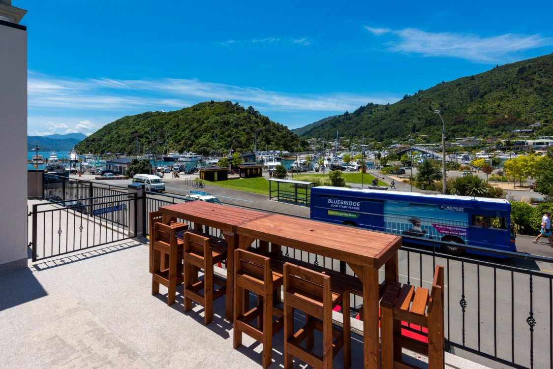 6/17a Wellington Street, Picton #4