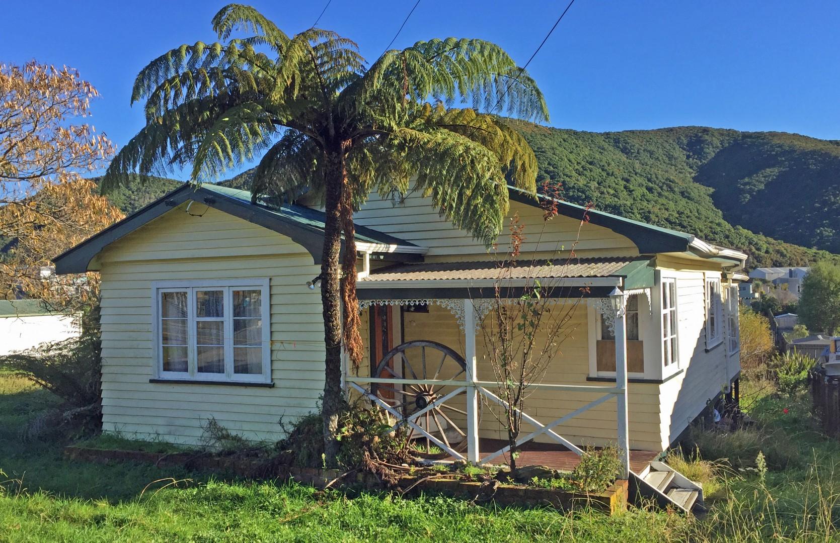 271 Waikawa Road, Waikawa #1 -- listing/9680/m.jpeg