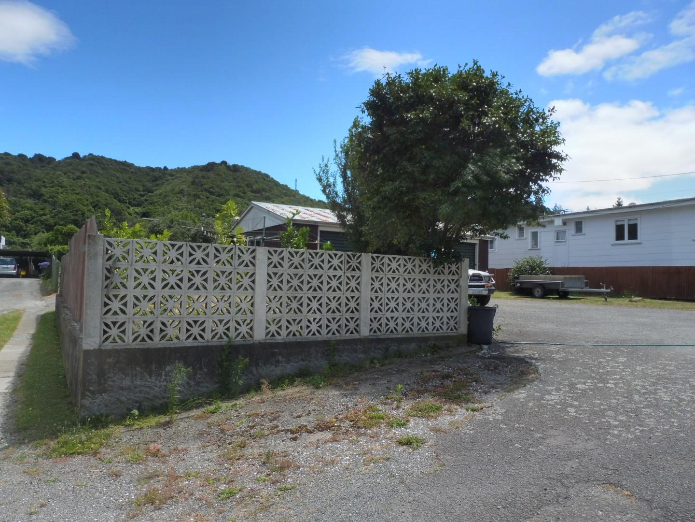 91a Waikawa Road, Picton #2 -- listing/9737/a.jpeg