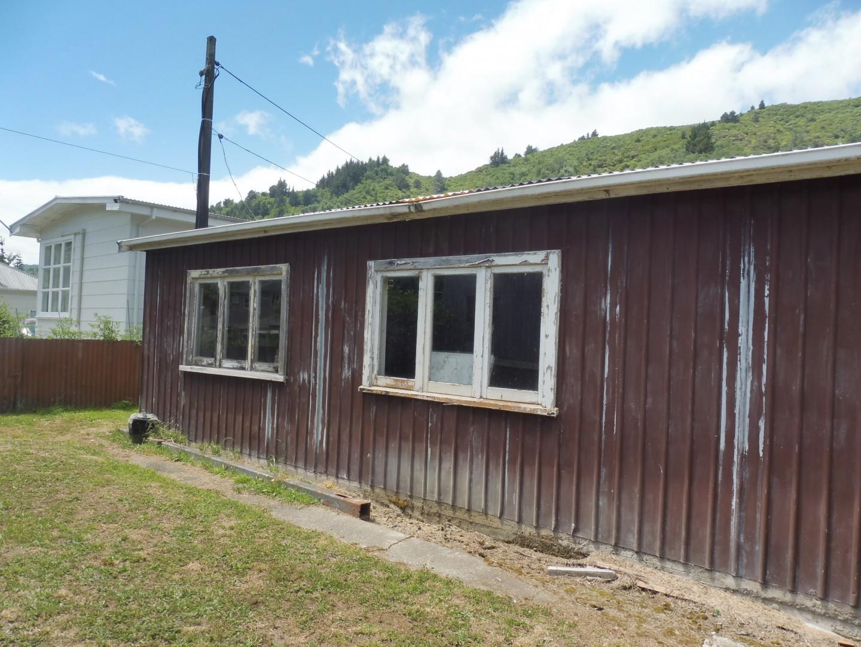 91a Waikawa Road, Picton #5 -- listing/9737/d.jpeg