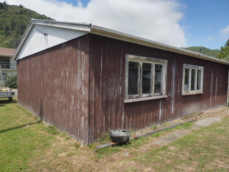 91a Waikawa Road, Picton #6 -- listing/9737/e.jpeg