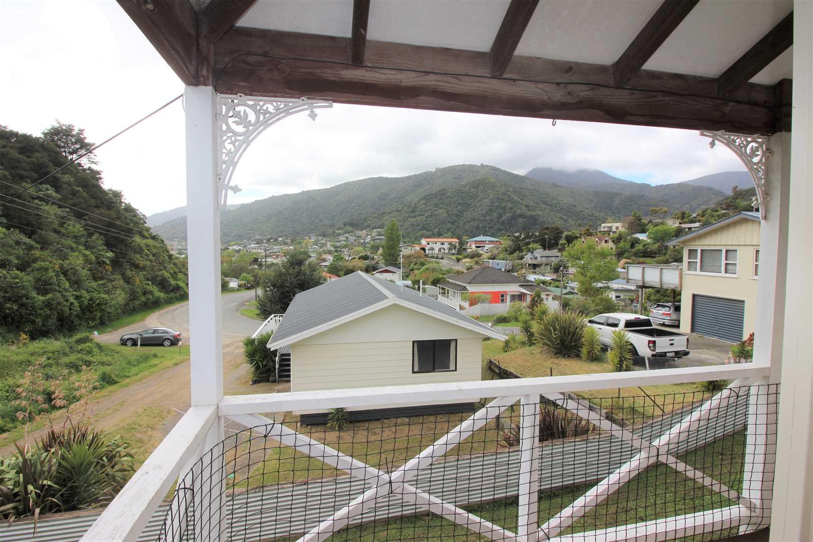 38 Buller Street, Picton #6 -- listing/9740/RBPI057793.jpeg