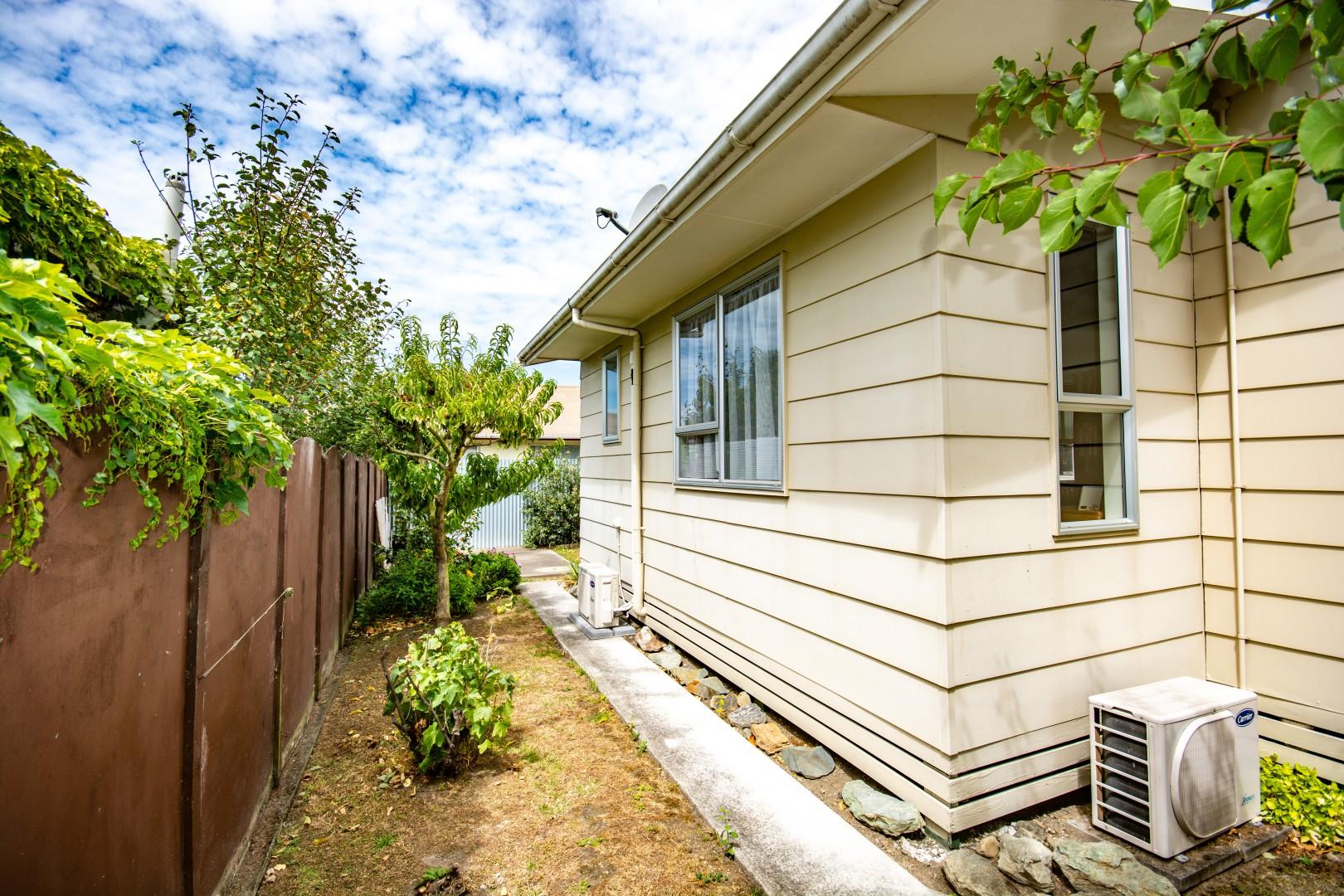 3 Brian Bary Street, Redwoodtown #11 -- listing/9762/j.jpeg